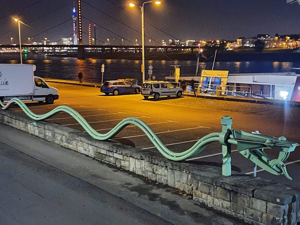 Snake Flood - Sign as victory agsinst the flood