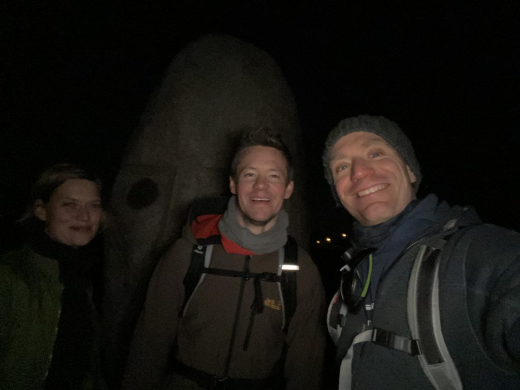 40 km Hiking with ball - close to the end, the traditional Beuys Büste