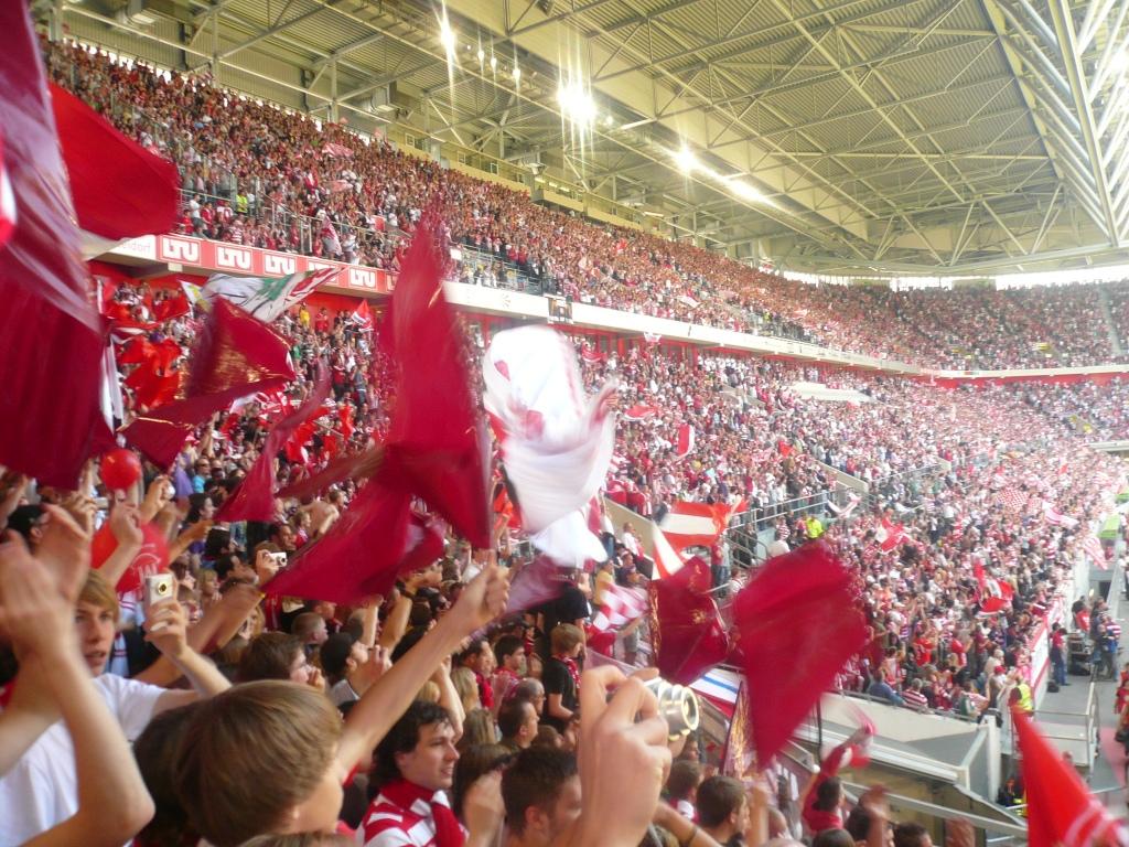 Sightseeing Düsseldorf - Atmosphere in Arena